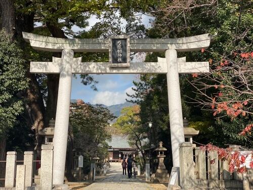 弓弦羽神社正門